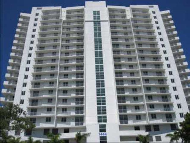 Modern Apartment In Miami - home decor - Xshare.us