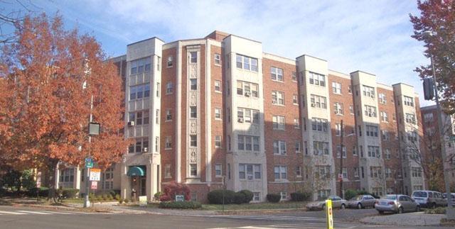 La Reine Apartments photo #1