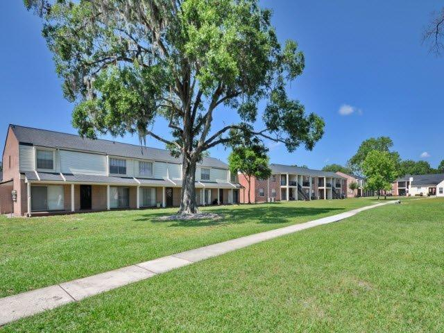 Colonial Forest Apartments photo #1