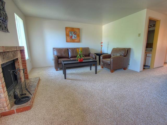 the rent at miramonte apartments ranges from 760 for a one bedroom to