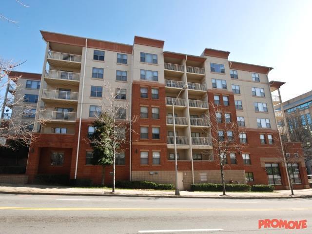 City Plaza Apartments photo #1