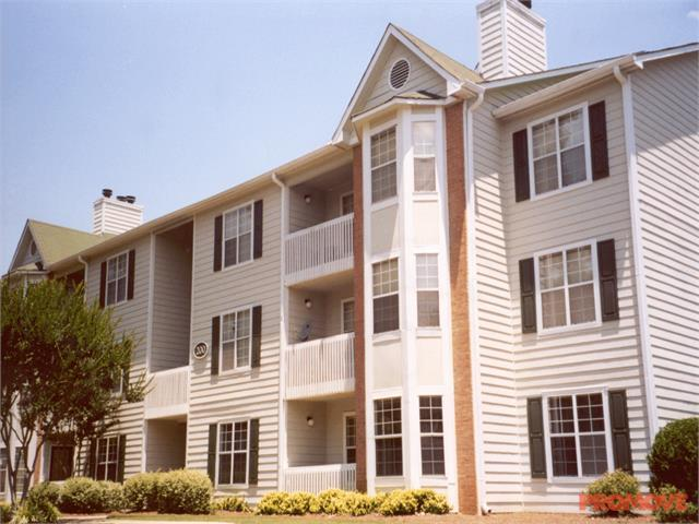 Madison Waterford Apartments photo #1