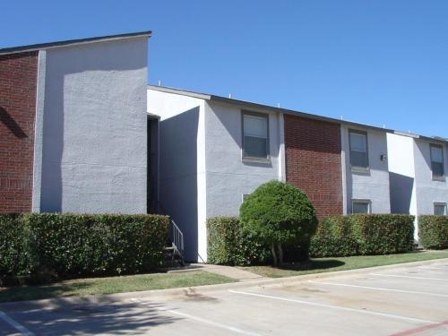 Westwind Apartments photo #1