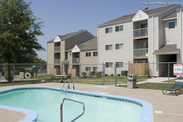 Willow Glen Apartments and Townhomes photo #1