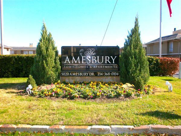 Amesbury Townhomes Apartments photo #1