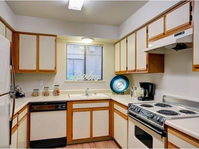 Bennington Apartments photo #1