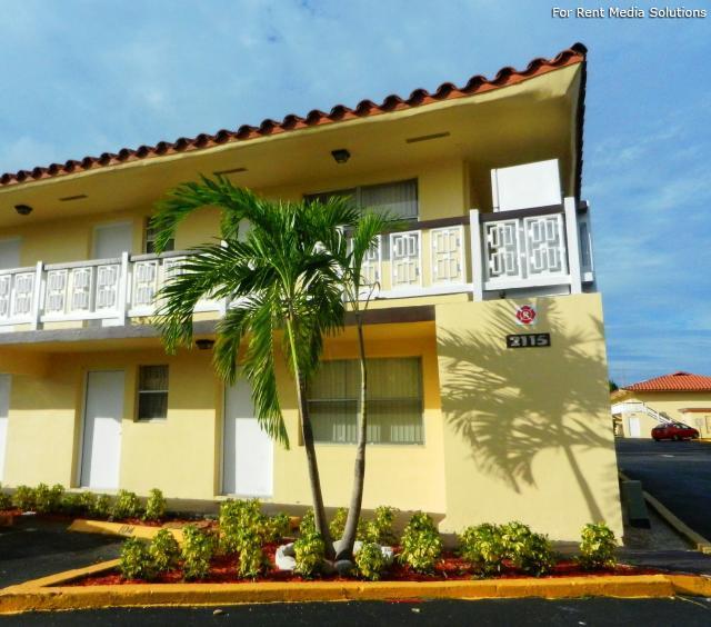 Fort Lauderdale Apartments: Mandalay Square Apartments, Fort Lauderdale FL