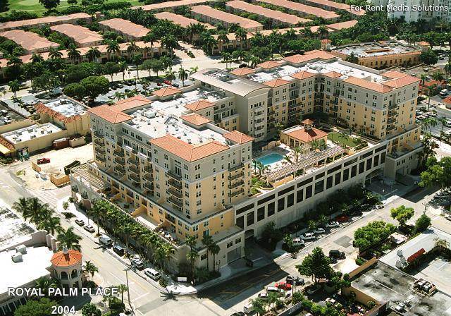 Royal Palm Place Apartments photo #1