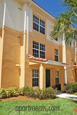 Crystal Lake Apartments Hollywood Fl Walk Score