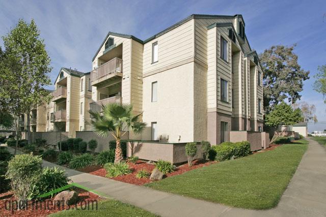 Lakeshore Dunes Apartments Reviews