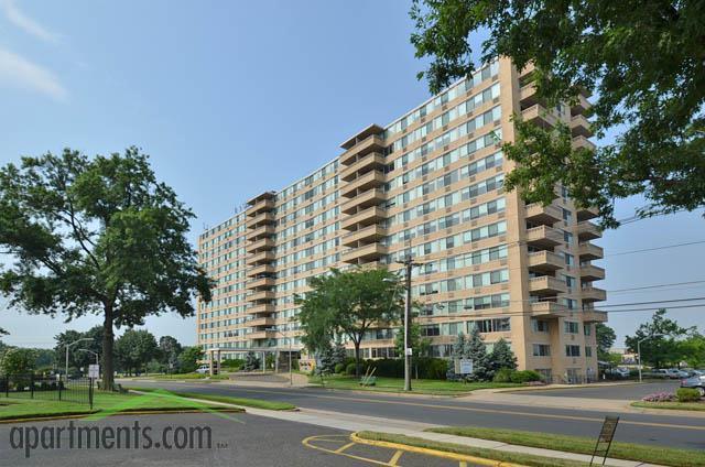 Cooper river plaza pennsauken nj walk score for Cooper apartments