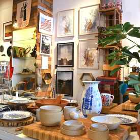 Gift Shops in Los Angeles : Toros Pottery, Luxury Perfumes, Landis