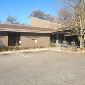 Photo of Dorchester County Library, Old Trolley Road, Summerville, SC