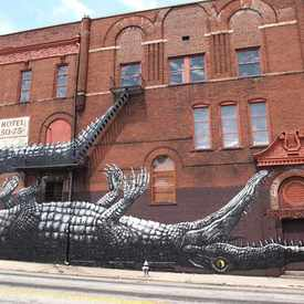 "Photo of ""Alligator"" Mural in Downtown"