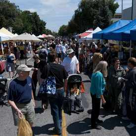 Photo of California Avenue Farmers Market in Evergreen Park