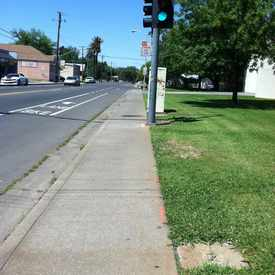 Photo of M L KING JR BLVD & 9TH AVE (NB) in Central Oak Park