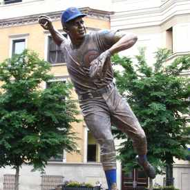 Photo of Ron Santo Statue in Wrigleyville
