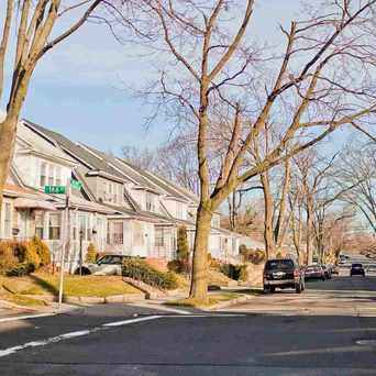 Photo of Houses in Pomonok Queens in Fresh Meadows, New York