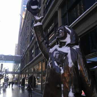 Photo of Mary Tyler Moore Statue in Downtown West, Minneapolis