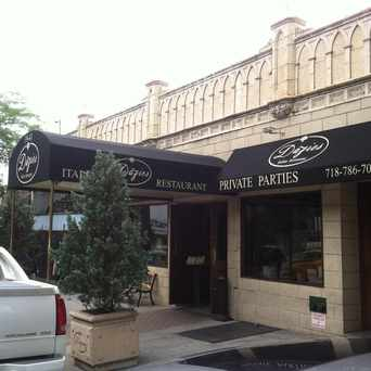 Photo of Dazies Restaurant in Sunnyside, New York
