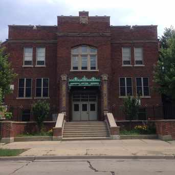 Photo of Hartford Avenue Elementary School in Downer Woods, Milwaukee