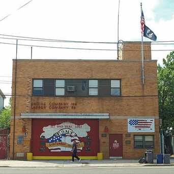 Photo of E166 FDNY Firehouse Engine 166 & Ladder 86 in Bulls Head, New York