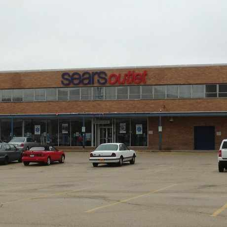 Sears Outlet in Melrose Park, IL offers top brand home and major appliances at deep discounts and a great selection of lawn and garden products. Shop our inventory of refrigerators, dishwashers, washers, dryers, microwaves, lawn mowers, air conditioner units, and more, and save up to 70% off retail prices!4/10(48).