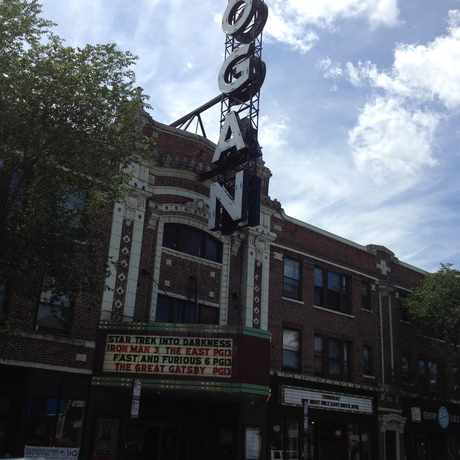 Photo of Logan Theatre in Logan Square, Chicago