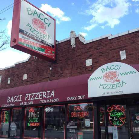 Photo of Bacci Pizzeria in West Town, Chicago