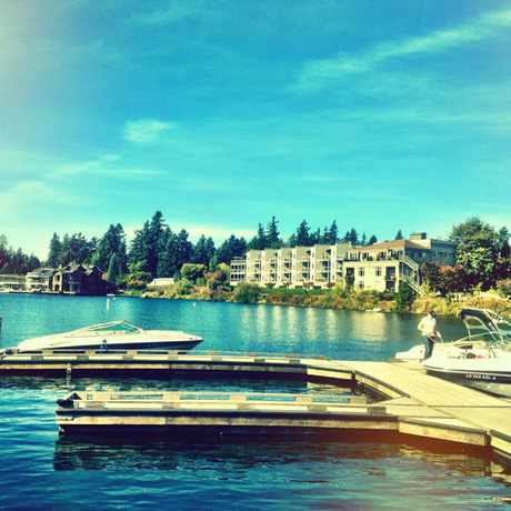 Photo of Lakeshore Inn in Lake Oswego